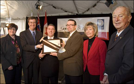 Photo (from left to right): April Cullen, Regional Councillor from the City of Oshawa; the Honourable Jim Watson, Minister of Municipal Affairs and Housing; Brian Gailey, President of Ajax Municipal Housing Corporation; Barry Devolin, Member of Parliament for Haliburton-Kawartha Lakes-Brock; Colleen Jordan, Regional Councillor for the Town of Ajax; and Joe Dickson, Member of Provincial Parliament for Ajax-Pickering