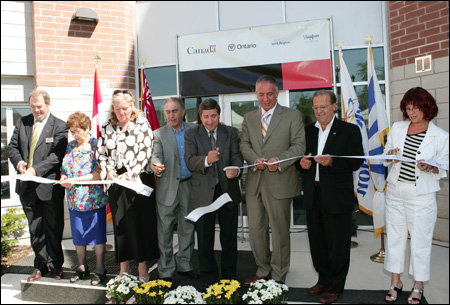 Photo (from left to right): Peter Friedmann, General Manager, CMHC Ontario Business Centre; Rose, Resident, Blue Willow Terrace; Linda Jackson, Mayor of Vaughan; the Honourable Greg Sorbara, MPP of Vaughan-King-Aurora; Bill Fisch, Regional Chairman and CEO of the Regional Municipality of York; the Honourable Maurizio Bevilacqua, MP, Vaughan; Mario Ferri, Vaughan Regional Councillor; Joyce Frustaglio, Vaughan Regional Councillor.